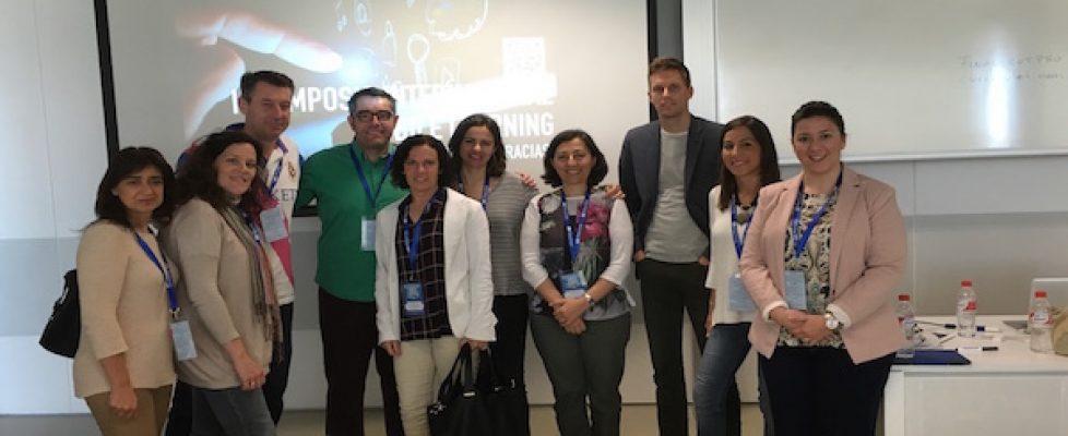 Abriendo el aula al mundo: III Simposio Internacional Mobile Learning