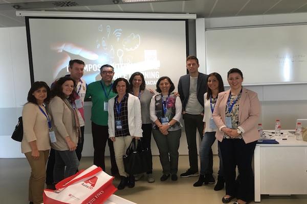 Simposio Internacional Mobile Learning. Sevilla, abril 2016.