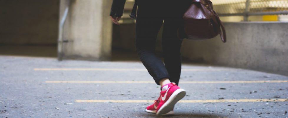 walking-shoes-purses